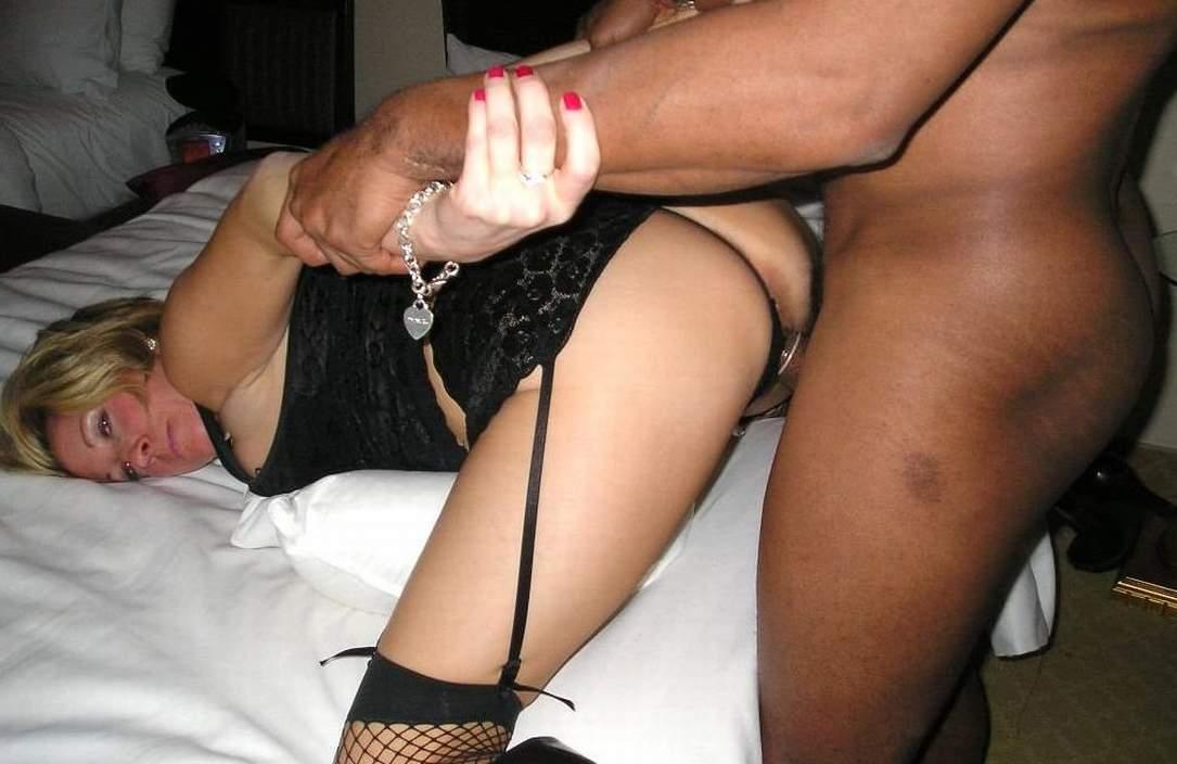 Trollhaettan, Vastra Gotaland erotic massage