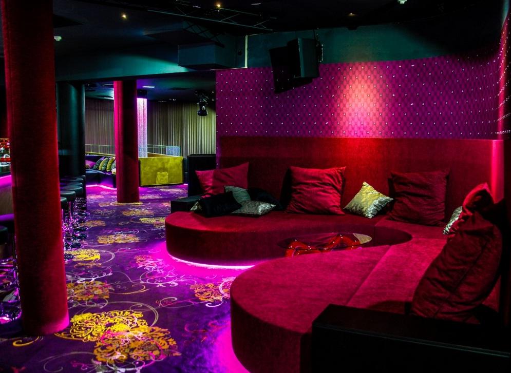 Where find parlors happy ending massage  in Gorizia  (IT)
