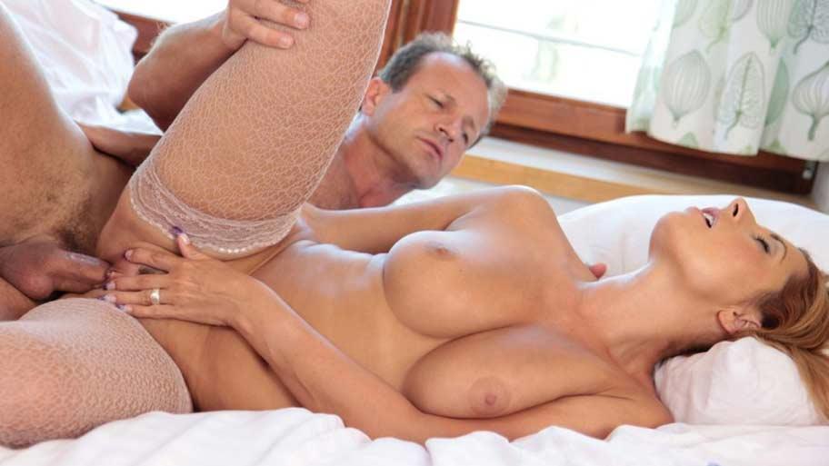 Nude massage in Monor (HU)