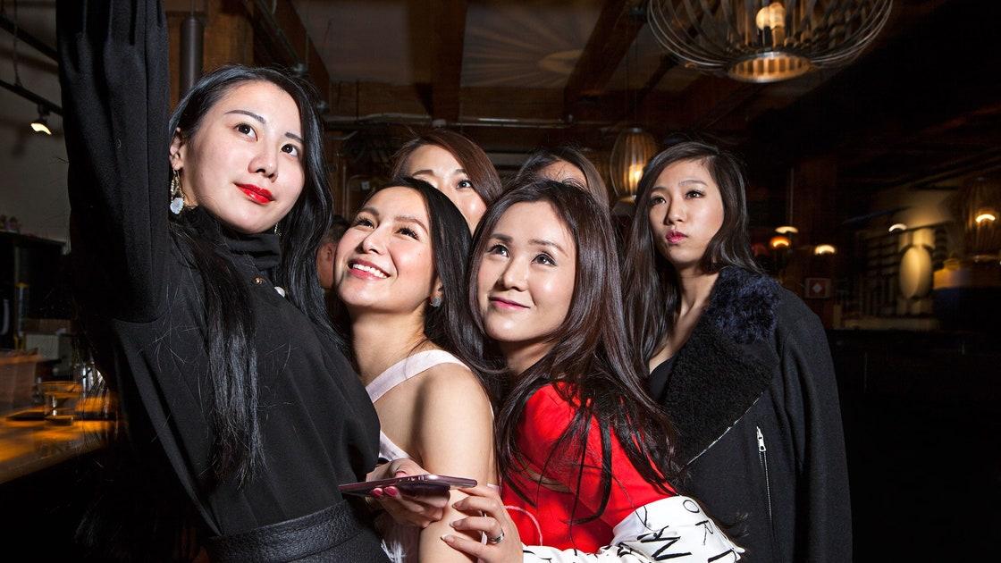 Girls in Yicheng, China